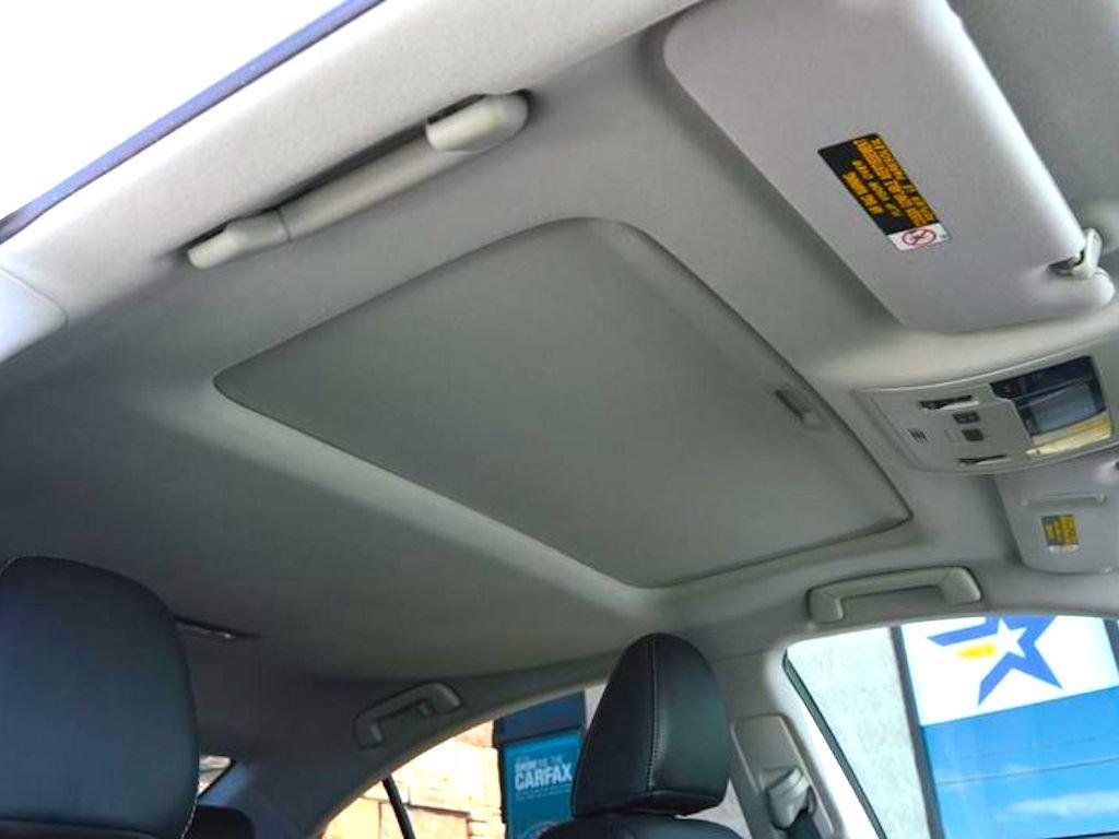 Lexus ES sunroof