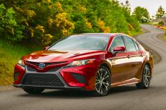 2018-Toyota-Camry-SE-Hybrid